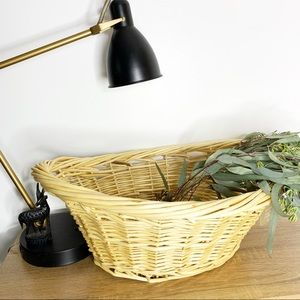 NWT Home Trends Large Willow Woven Laundry Basket